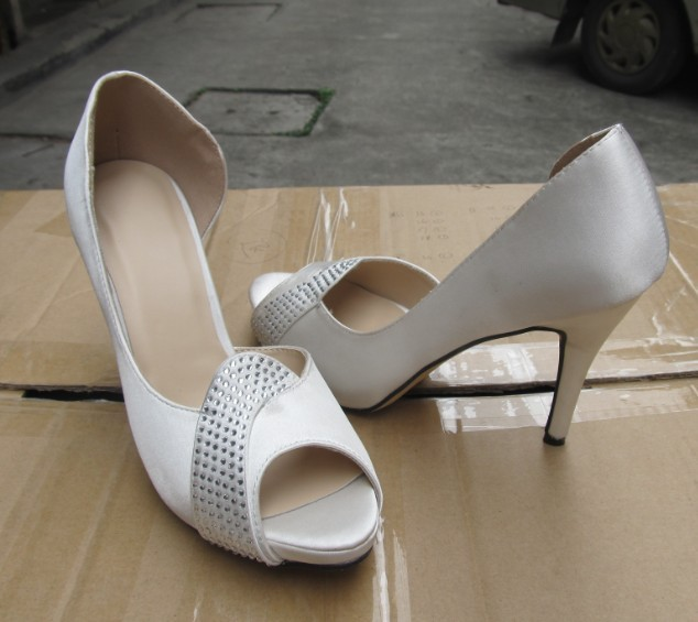 2015 Fashion High Heel Ladies Peep Toe Sandals (HCY02-1457)