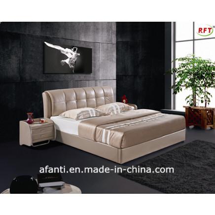 Enviromental Bedroom Furniture Modern Leather Bed (J075)